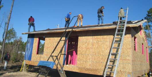 Volunteers Frame Another Home