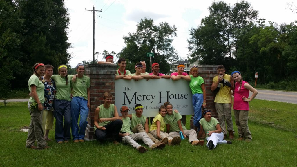 Mission trip group at the Mercy House